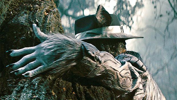 ディズニー・ミュージカル映画『イントゥ・ザ・ウッズ』ジョニー・デップの狼姿を初公開!