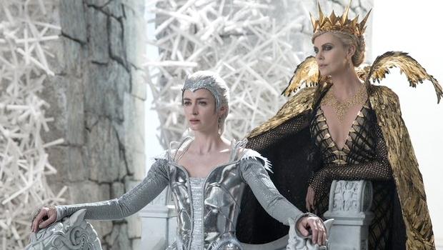 『スノーホワイト/氷の王国』姉妹の過去を描く予告編第2弾