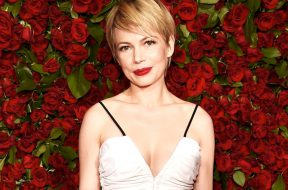 Michelle-Williams-The-Greatest-Showman-on-Earth_00