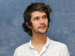 ben-whishaw-mary-poppins-returns_00