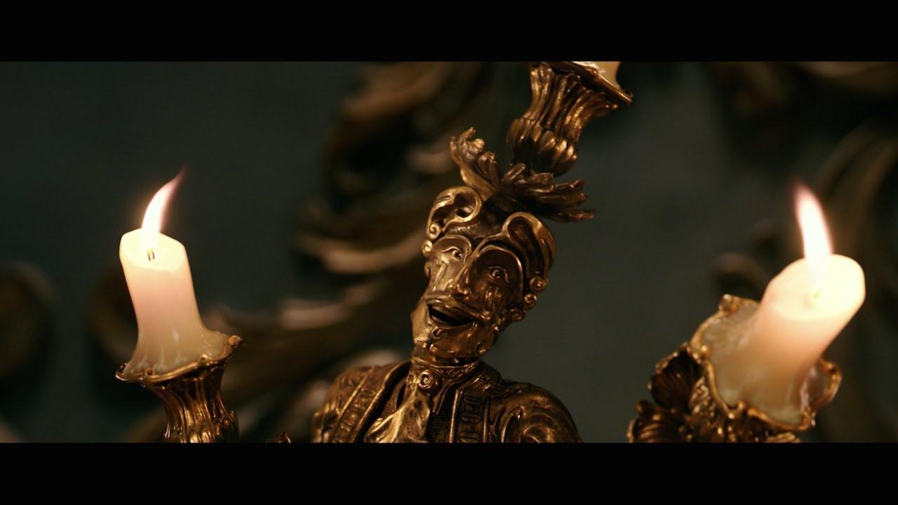 『美女と野獣』新たに公開されたのは、野獣がベルを食事に誘うシーン