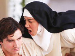 アリソン・ブリー、オーブリー・プラザ、ケイト・ミクーチが不良修道女を演じる『The Little Hours』予告編