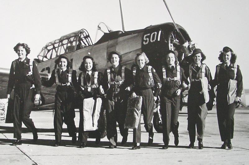 第2次世界大戦中に陰ながら活躍した米空軍女性パイロット達を描く『Silver Wings』に『グリース ライブ!』監督が参加