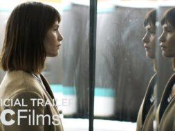 ジェマ・アータートンが育児疲れで逃避行する主婦を演じる『The Escape』予告編