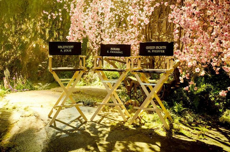『マレフィセント2』撮影開始!エレ・ファニング&アンジェリーナ・ジョリーの写真
