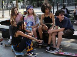 若い女性スケーターたちを描く『Skate Kitchen』予告編