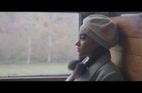 アマンドラ・ステンバーグ主演、ドイツの黒人混血少女と青年兵の恋を描く『Where Hands Touch』予告編