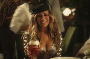 2019年スーパーボウルのビール会社CMで「セックス・アンド・ザ・シティ」+『ビッグ・リボウスキ』