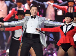 hughjackman-britawards-greatestshowman_00