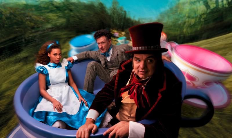 Alice-in-Wonderland-Beyonce-Oliver-Platt-Lyle-Lovett