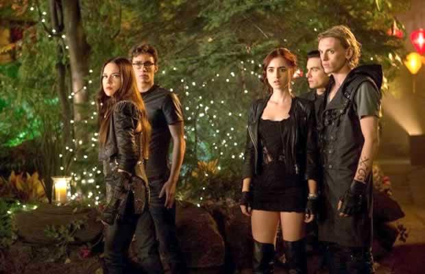 『The Mortal Instruments』(シャドウハンター 骨の街)の続編制作が中断