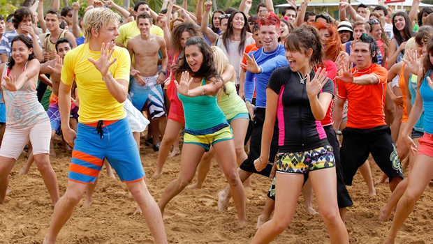 teen-beach-movie-2-2015_00