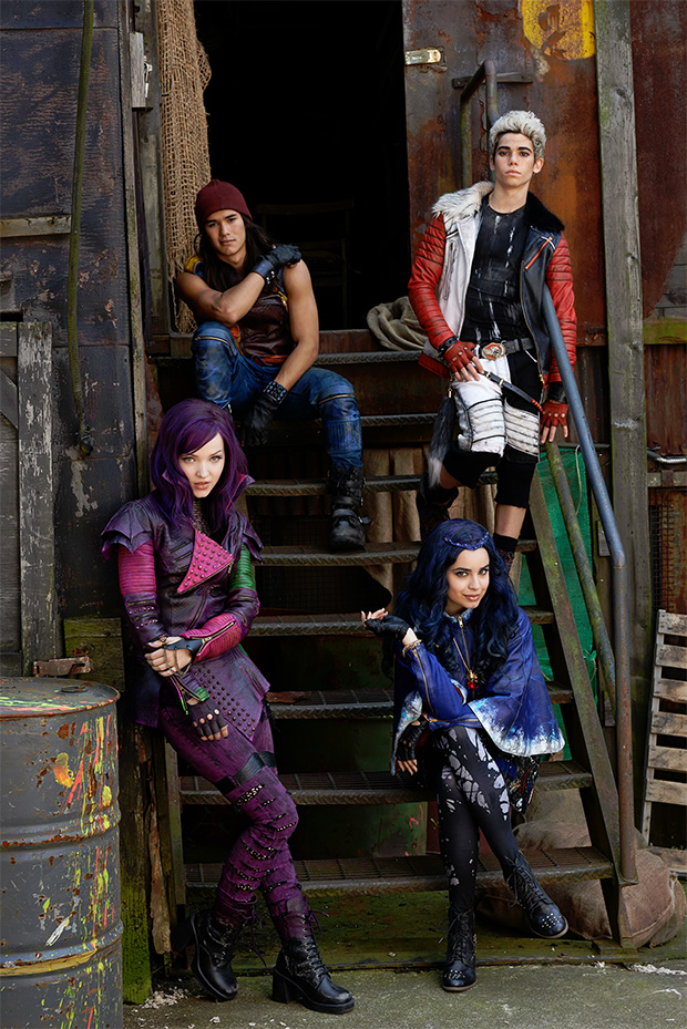 descendants-1st-image-casts_01
