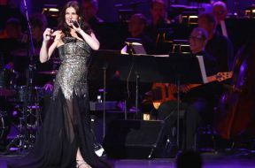 idina-menzel-radio-city-music-hall_00