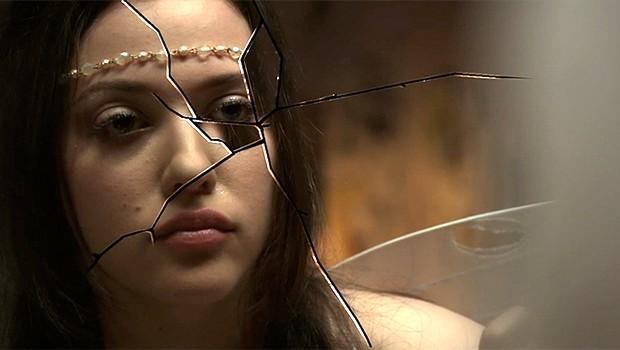 ソニー・ハッキング事件に関係した、心に問題を抱えたティーンを描く『To Write Love On Her Arms』予告編