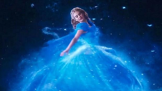 ディズニー実写版『シンデレラ』、エリー・ゴールディングの挿入歌が入った新しい予告編公開。