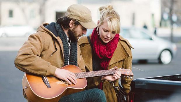 キャサリン・ハイグル主演、カントリー歌手同士の恋愛を描く『Jackie & Ryan』予告編