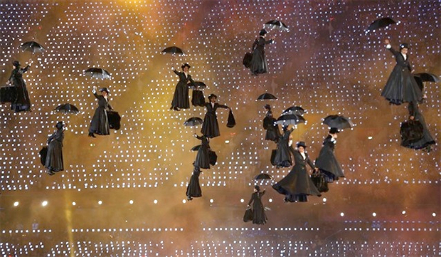 new-mary-poppins-emily-blunt_01
