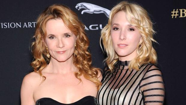 リー・トンプソン、娘達が出演するキューティー映画『The Year of Spectacular Men』で初監督