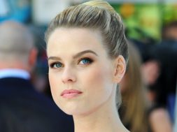 alice-eve-bees-make-honey_00