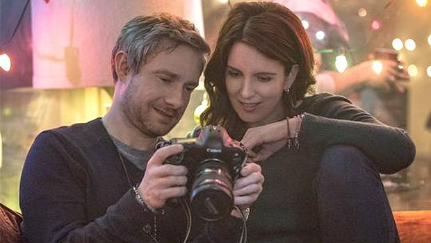 ティナ・フェイがアフガニスタン紛争のルポライターを演じる『Whiskey Tango Foxtrot』公式写真公開