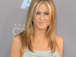 the-fixer-jennifer-aniston_00