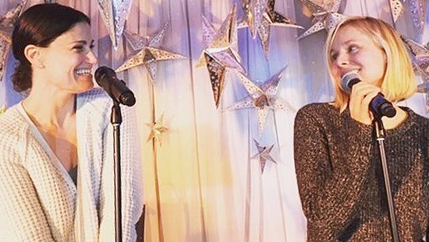 クリステン・ベル、イディナ・メンゼルが共演!『アナと雪の女王』の歌を披露