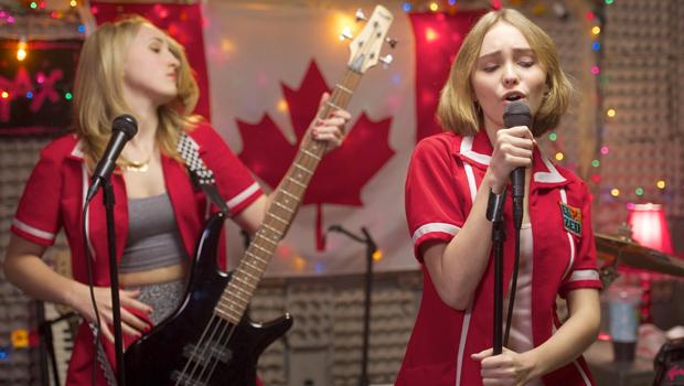 ジョニーデップとケヴィン・スミスの娘が主演のキューティー映画『Yoga Hosers』予告編