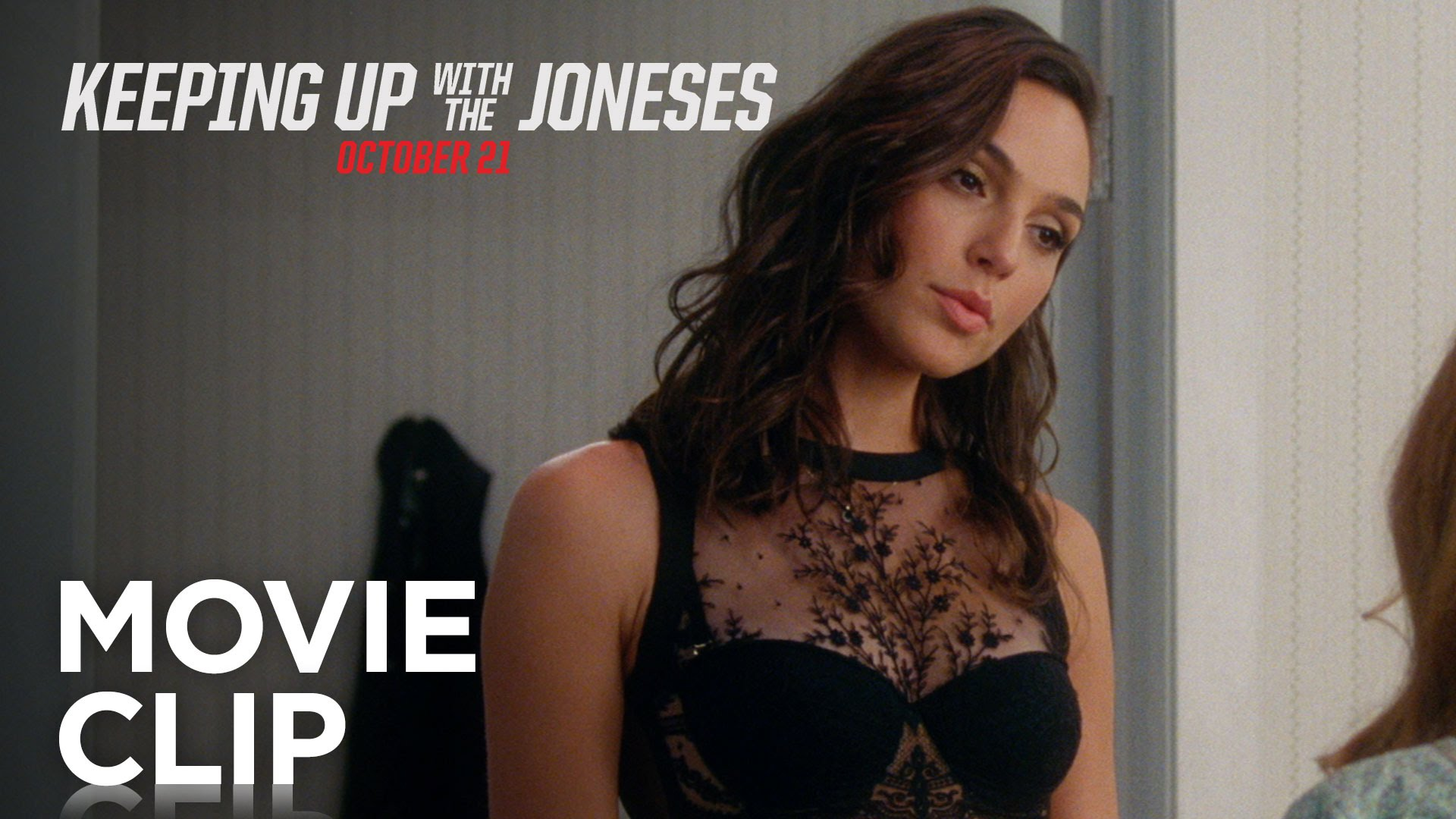 『Keeping Up With The Joneses』ガル・ガドットの美しい下着姿を披露した劇中映像を公開