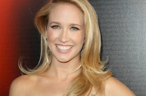 pitch-perfect-3-anna-camp_00