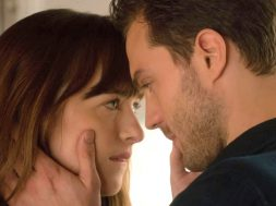 fifty-shades-darker-rated-r_00