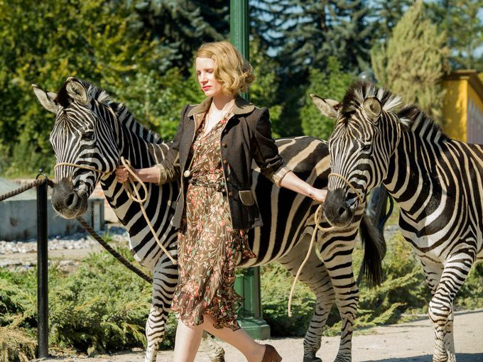 the-zookeepers-wife-pics_03