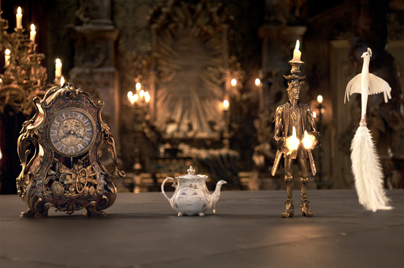 ディズニー実写版『美女と野獣』、城の住人たちの人間の時の姿が公開!