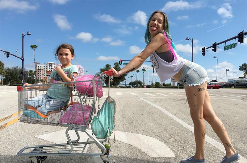 『タンジェリン』ショーン・ベイカー監督の新作『The Florida Project』の映像が初お披露目