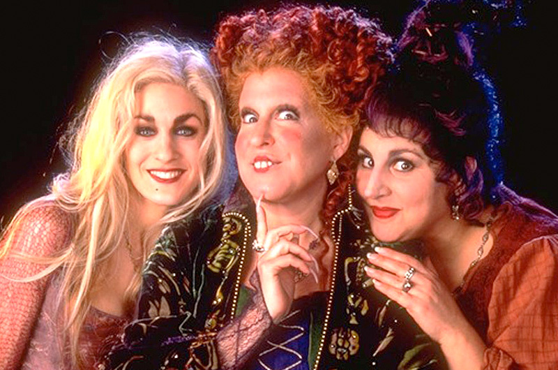 現代のハロウィンに蘇った3人の魔女たちを描くディズニー映画『ホーカス・ポーカス』続編を企画??