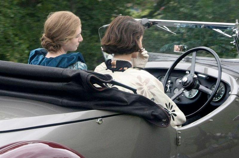 ジェマ・アータートン&エリザベス・デビッキ共演、ヴァージニア・ウルフとヴィタ・サックヴィル=ウェストを描く『Vita & Virginia』公式写真公開