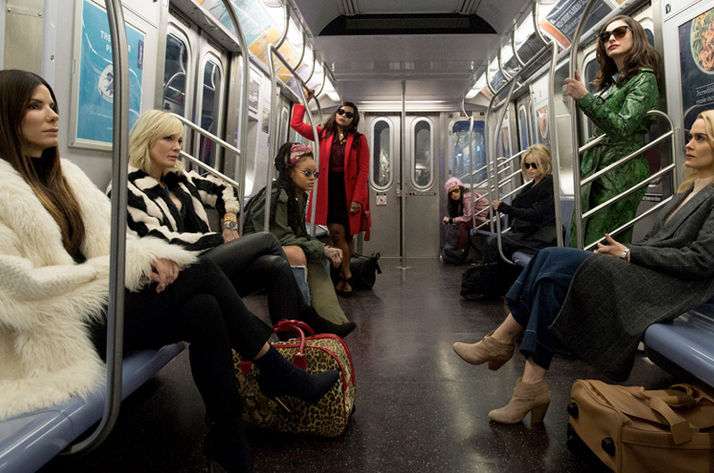 サンドラ・ブロック、ケイト・ブランシェット、アン・ハサウェイ、リアーナ共演『オーシャンズ8』新たな劇中写真が公開