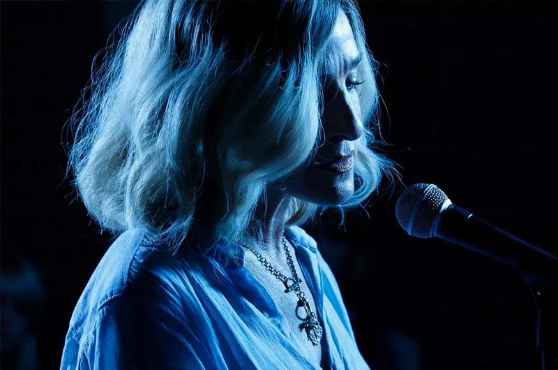 サラ・ジェシカ・パーカーがジャズ歌手を演じる『Here And Now』本編映像・写真&全米公開日決定