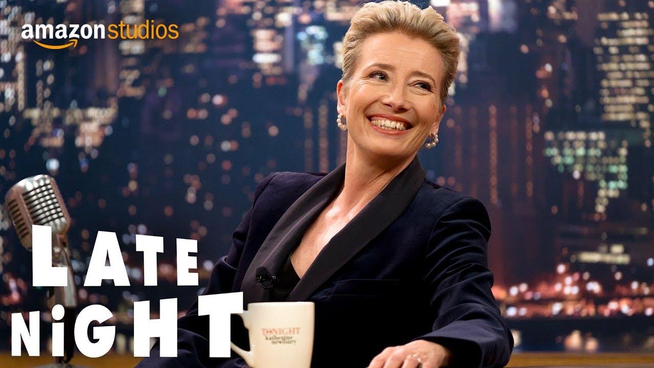エマ・トンプソン&ミンディ・カリングが、司会者と構成作家の関係を描く『Late Night』予告編