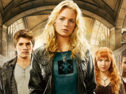 Avalon_High_JPN_Keyart_L316_HD_1920x608-5dfbf9ba2211f054971fde47