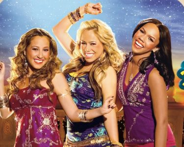 Cheetah_Girls_is_One_world_JPN_Keyart_L316_HD_1920x608-5dbcbfe29aecb347736120dd