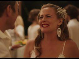 アリシア・シルバーストーン主演、弟の結婚式を巡るコメディ『Sister of the Groom』予告編